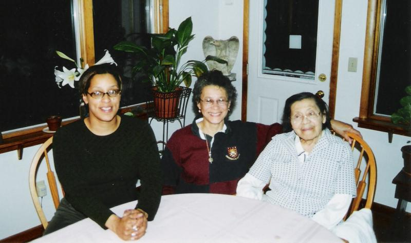 Three generations: daughter Elisa, Kathleen, mother Cassie